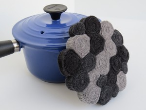 small trivet with 'grey scale' standing wool coils