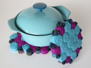And another opportunity to show off my little Prizer-Ware pot!