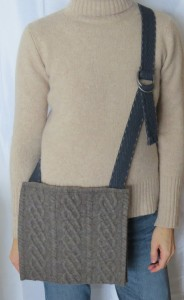 And here it is worn cross body. Nice!