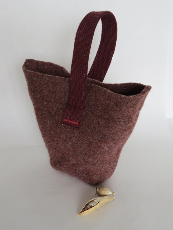 I'm returning to this keystone shaped bag, one of the first shapes I made when I started working with wool.